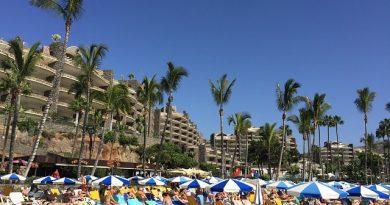 On the Beach Gran Canaria Holidays